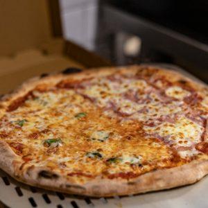 pizza_apizza_mitad_fata_morgana_comunicacion